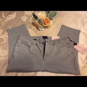 🌸 NYDJ crop jeans